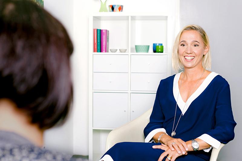 Bild Anke Krause im Supervisions-Gespräch.